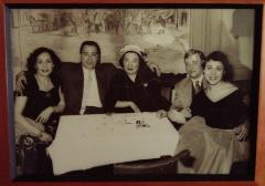 Tordjemann and Gharbi family members in Marais cafe (2)